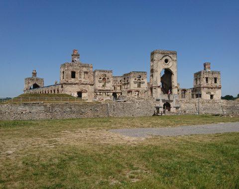 Ujazd – ruiny zamku Krzyżtopór